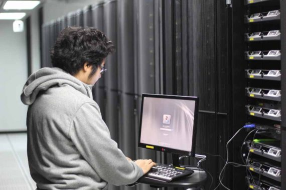 Computer-Server-Features